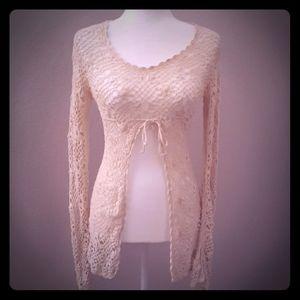 Tops - 🖐3/$15🖐 Crochet long sleeved shirt